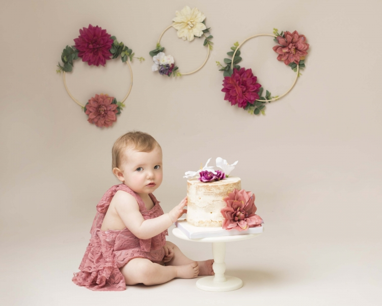 Vintage Flower Cake Smash with matching decorations on cake