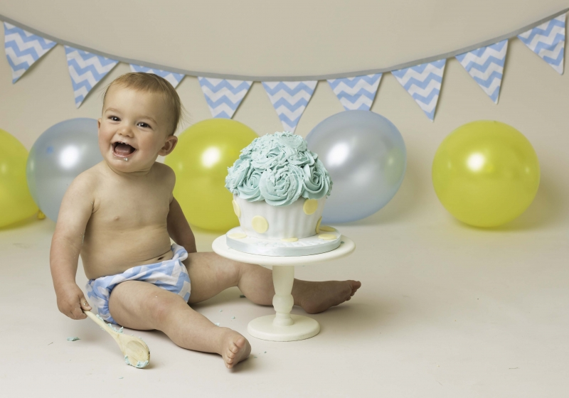Cake Smash for first birthday in Wirral photography Studio