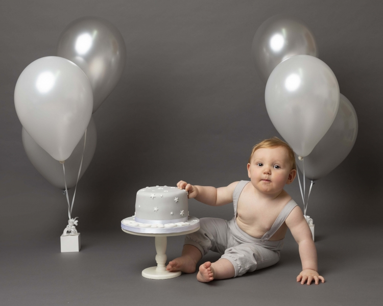 cake-smash-photoshoot-wirral