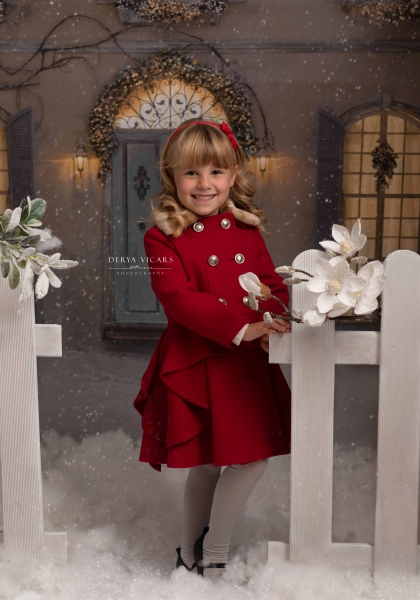 Smiling girl enjoying a Christmas photoshoot in Cheshire