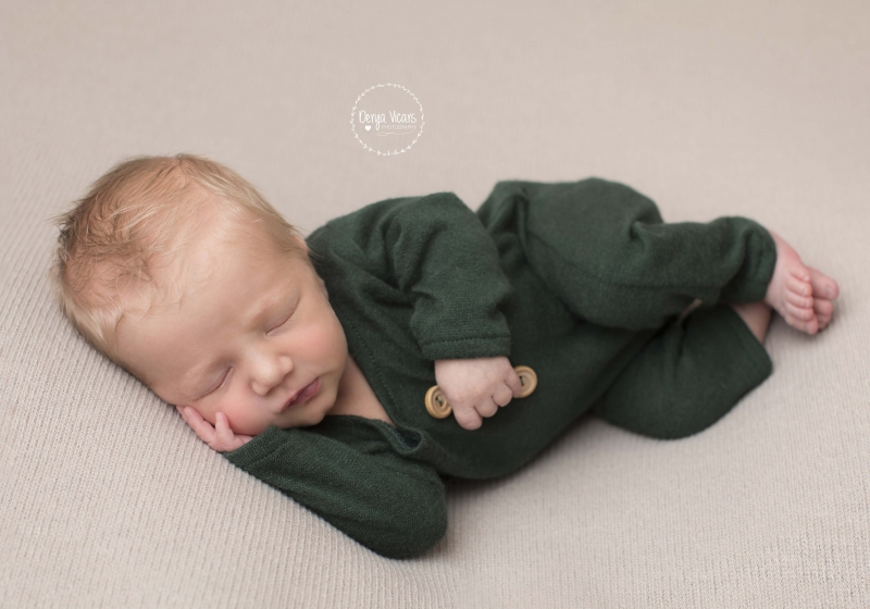 Newborn Baby Photographer Wirral - Derya Vicars Photography